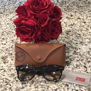 Authentic Ray-Ban Wayfarer Folding Sunglasses